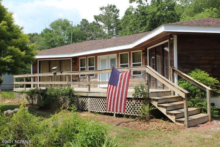 23 Creekside Woods Drive, Swansboro, NC 28584
