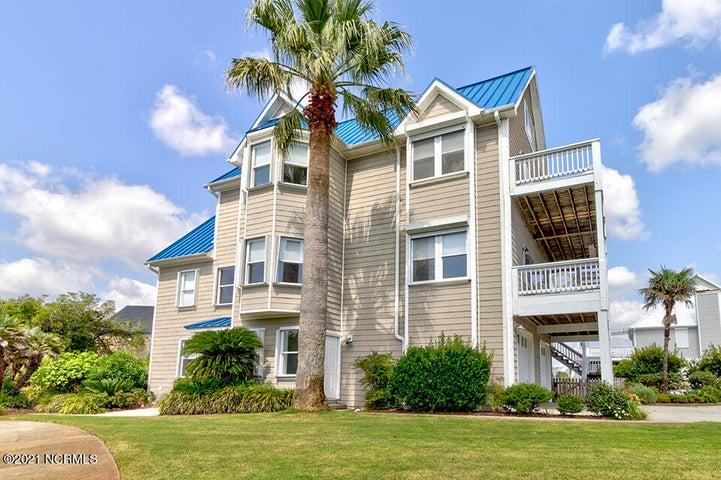 403 Oceana Way, Carolina Beach, NC 28428