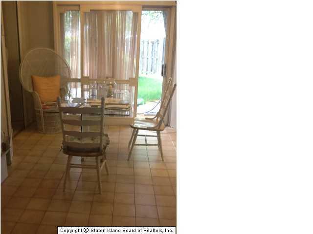 28 Birch Lane,Staten Island,New York,10312,United States,3 Bedrooms Bedrooms,6 Rooms Rooms,3 BathroomsBathrooms,Residential,Birch,1073757