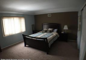 23 Don Court,Staten Island,New York,10312,United States,3 Bedrooms Bedrooms,6 Rooms Rooms,3 BathroomsBathrooms,Res-Rental,Don,1118589