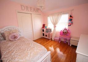 38 Calvanico Lane,Staten Island,New York,10314,United States,3 Bedrooms Bedrooms,6 Rooms Rooms,3 BathroomsBathrooms,Residential,Calvanico,1118616
