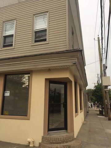512 Tompkins Avenue, Staten Island, NY 10305
