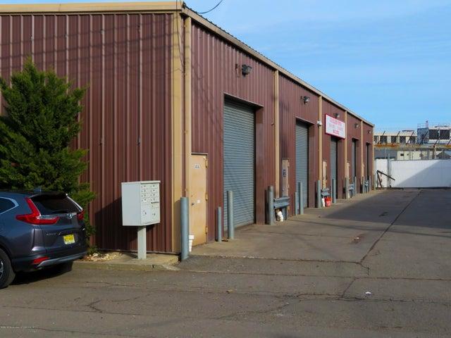 141 Industrial Loop, Staten Island, NY 10309