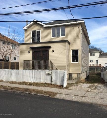 101 Hastings Street, Staten Island, NY 10305