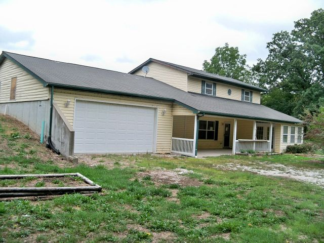1917 County Road, 1330, Moberly, MO 65270