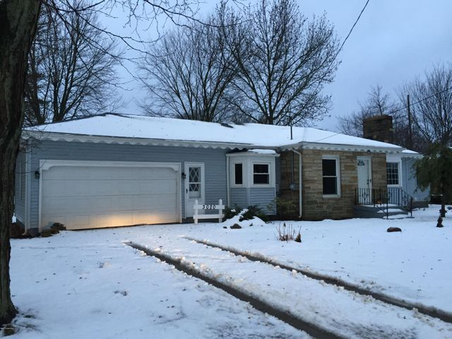 3020 CASCADE SE, East Grand Rapids, MI 49506