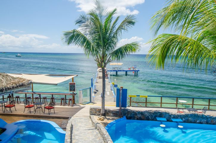 at Caribe Tesoro, Executive 1 BR Condo, Roatan,