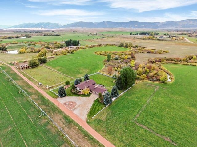 65 Wolf Creek Road, Ranchester, WY 82835