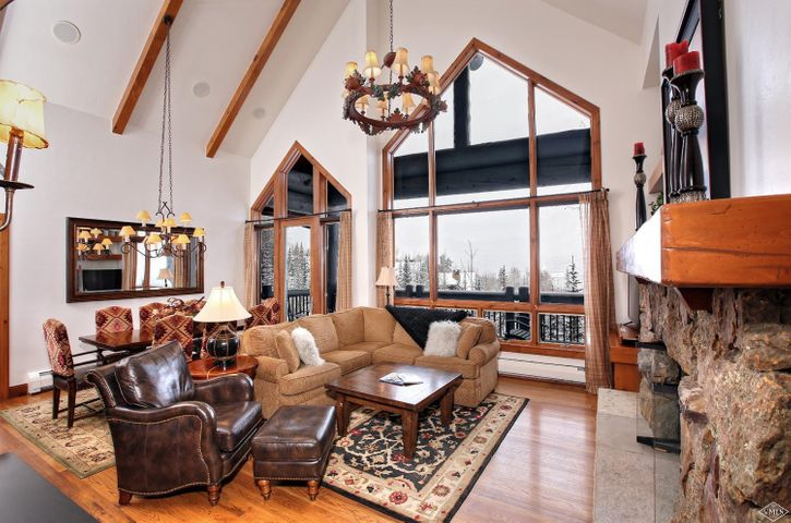 If you desire an on-mountain location with perfect ski/in-out access, abundant amenities in a top floor location, look no further. This 3-bed, 3.5 bath condominium has vaulted ceilings and features a floor-to-ceiling fireplace to set the tone for a cozy mountain experience with family and friends. Enjoy long northerly views across the valley from every room as well as the spacious deck. Bear Paw amenities include front desk, pool and hot tubs, private ski locker and underground heated parking.