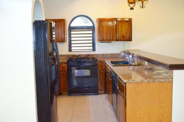 Granite counters, Dishwasher, Gas Stove