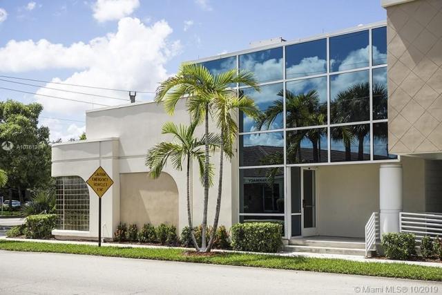 Property for sale at 4101 S Hospital Dr, Plantation,  Florida 33317
