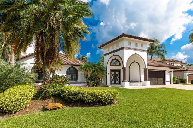 Property for sale at 615 W Enclave Cir W, Pembroke Pines,  Florida 33027