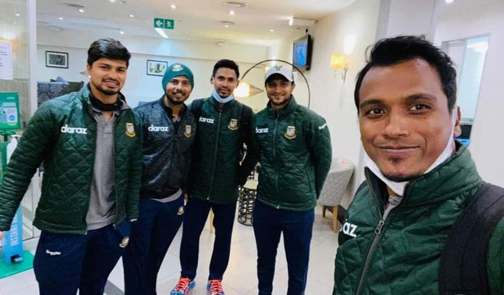 Tigers return home from Zimbabwe