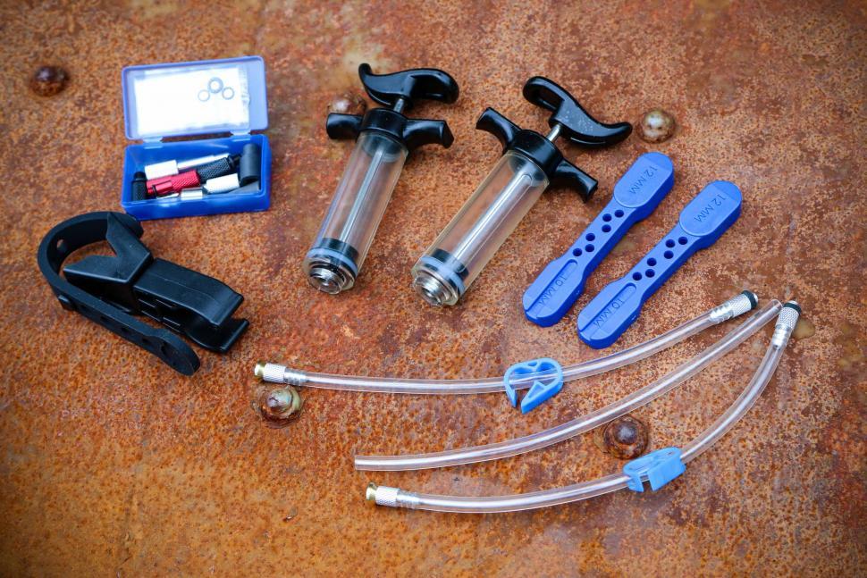 Park Tool BKD-1 Hydraulic Brake Bleed Kit – DOT