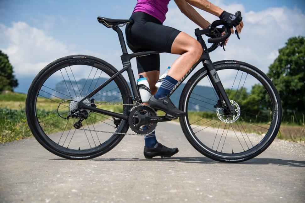 Campagnolo launches Shamal Disc wheels with 21mm inner width and hints at a gravel gearing
