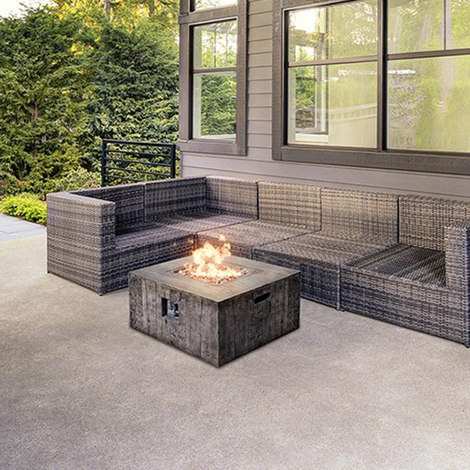 bond propane outdoor fire table 50 000 btu 34 5 8 in grey 50119 rona