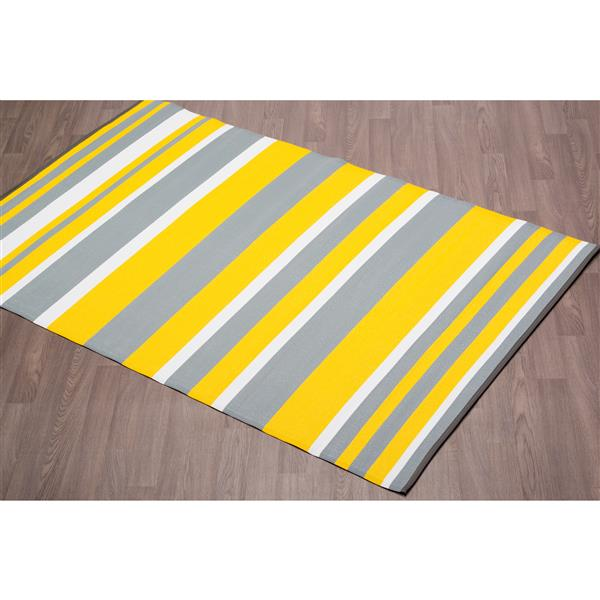 erbanica fiesta outdoor plastic yellow stripe rug 4 x 6