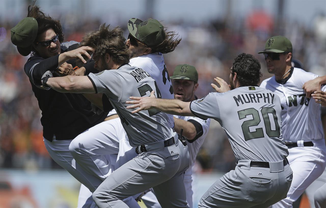 Harper Strickland Trade Punches Nationals Beat Giants 3 0 AM