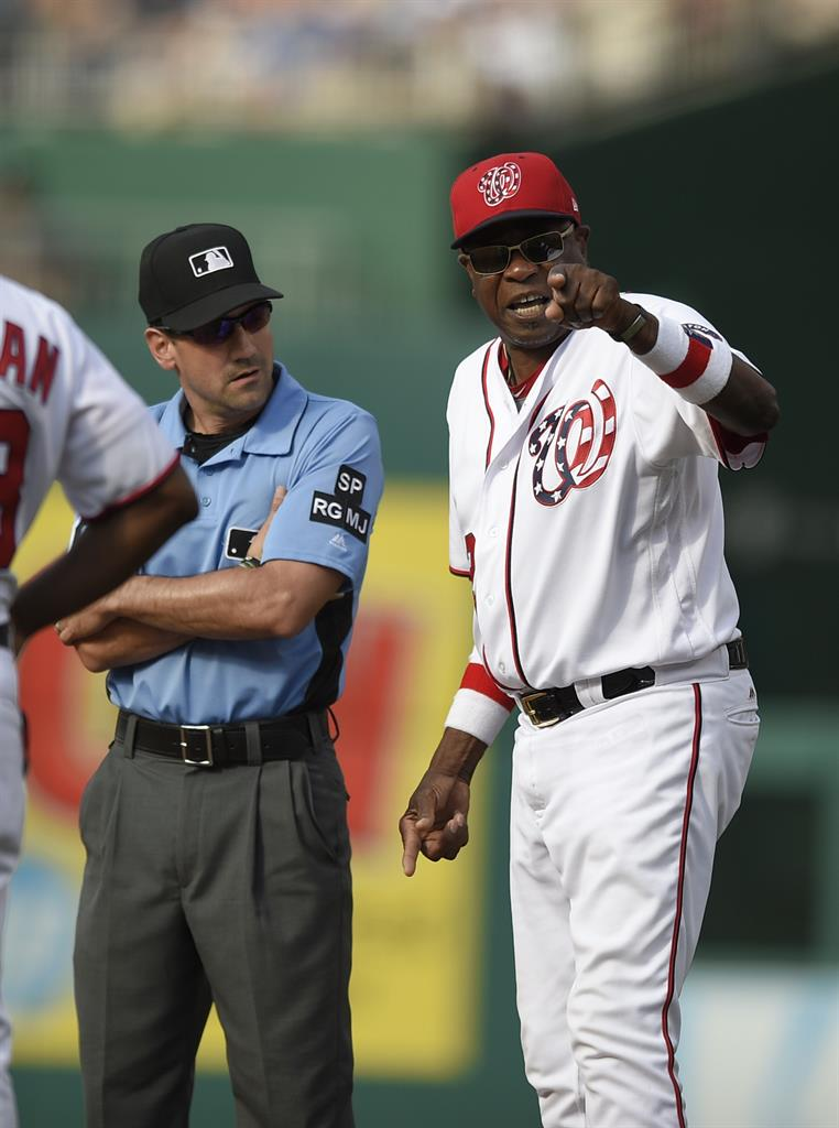Nats Collapse Vs Cubs In 9th Lose Turner To Broken Wrist KDOW