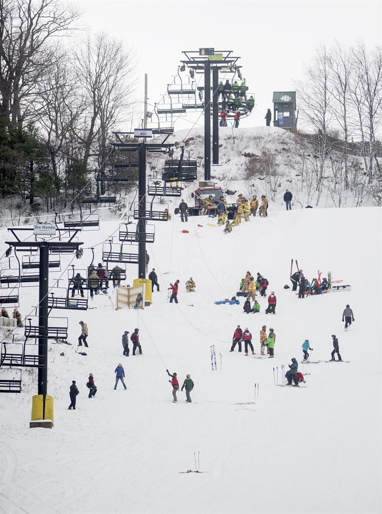ski chair lift malfunction alec wing strands dozens, 5 have minor injuries | am 1190 wafs - atlanta, ga