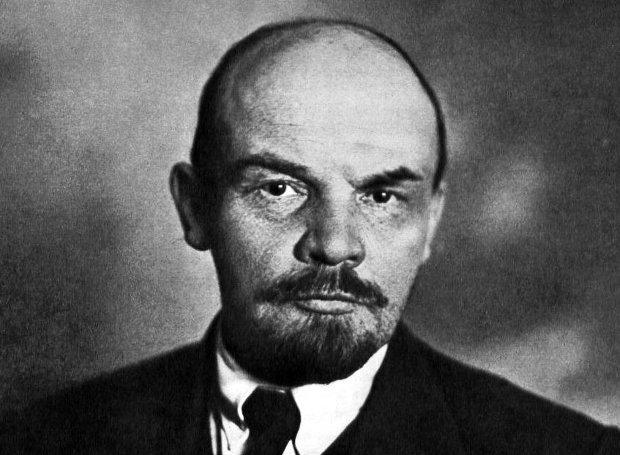 Βλαντίμιρ Λένιν - Βιογραφία - Σαν Σήμερα .gr