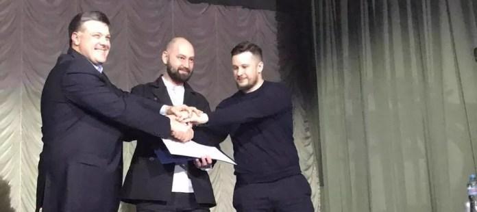 "Oleg Tyagnibok, Andrei Tarasenko and Andrei Biletsky signed the ""National Manifesto"".  Photo: Hristya Ravlyuk / Facebook"