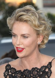 charlize theron's pixie cut