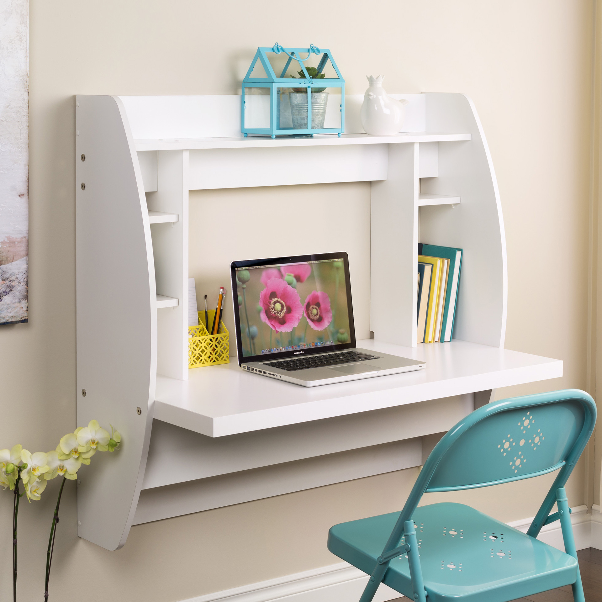 Why wallmounted desks are perfect for small spaces