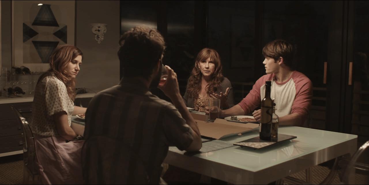 Transparent S2_Dinner Scene