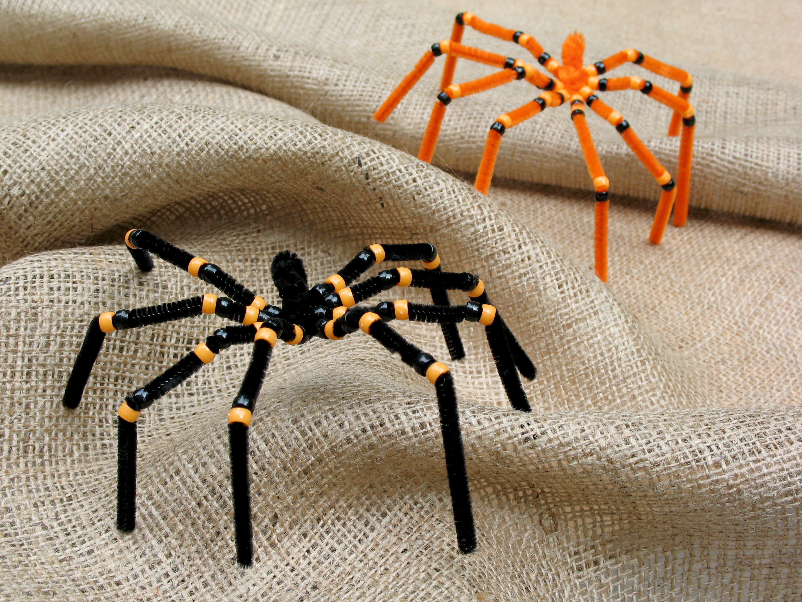 Spooky spiders craft for kids