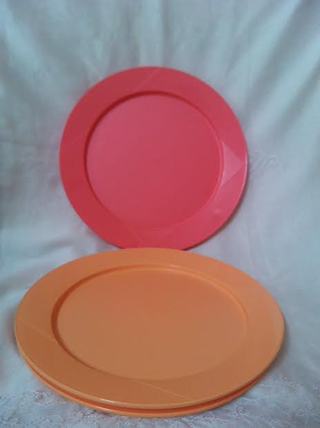 Tupperware Dinner Plates SF4