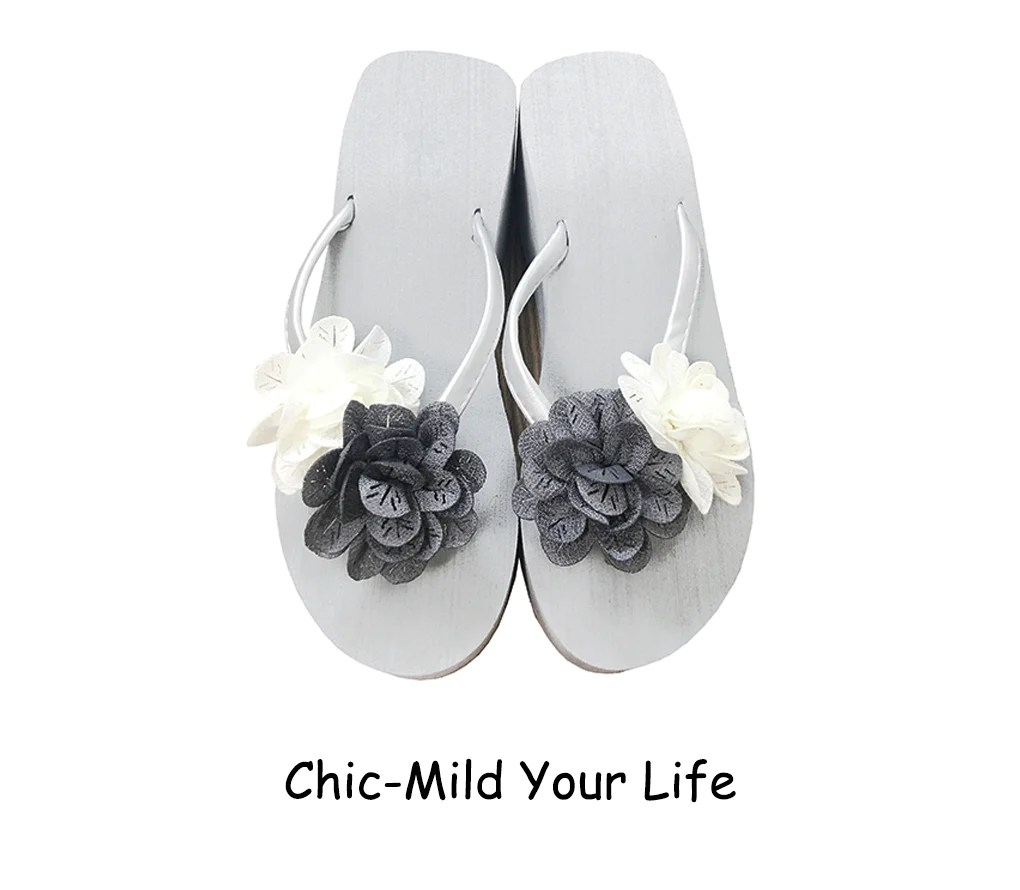 Chic-mild Grey&white Flowers Wedge Heel Flip Flops Sandals
