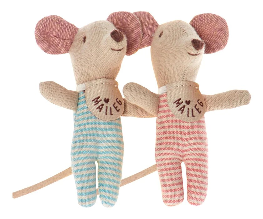 baby mouse twins in