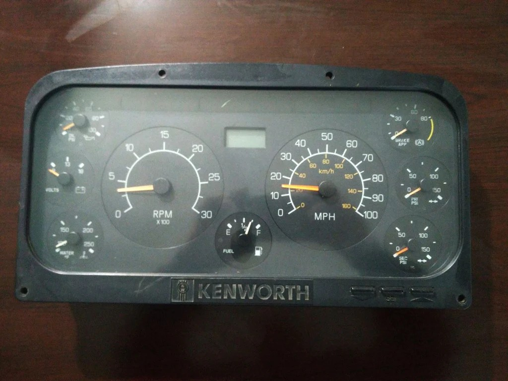 hight resolution of instrument cluster for kenworth 05421aa