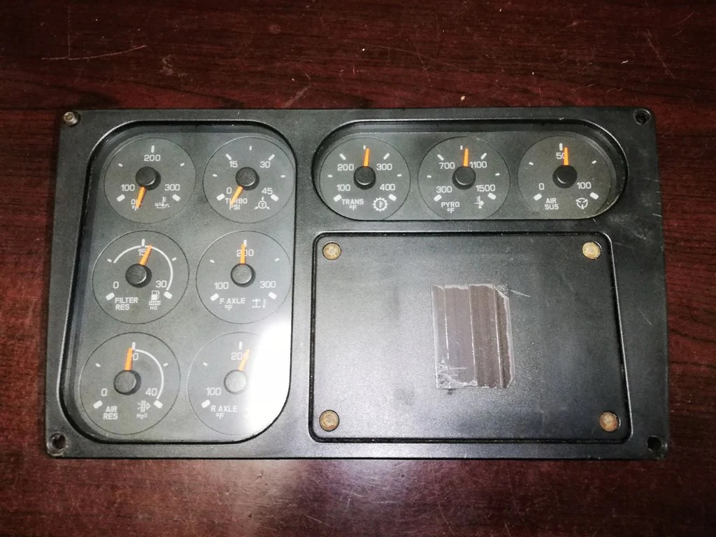 hight resolution of instrument cluster for kenworth t2000 9 gauges