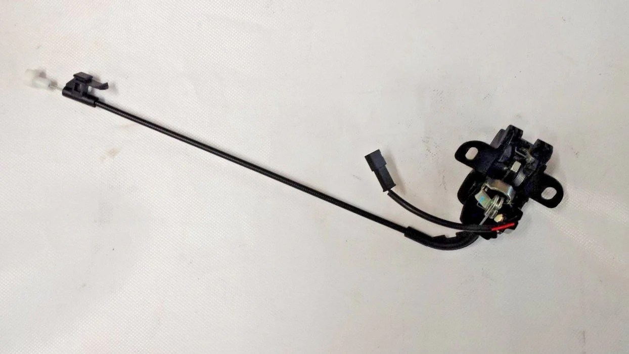 hight resolution of genuine vauxhall astra twintop convertible boot trunk lid lock 13300373 new