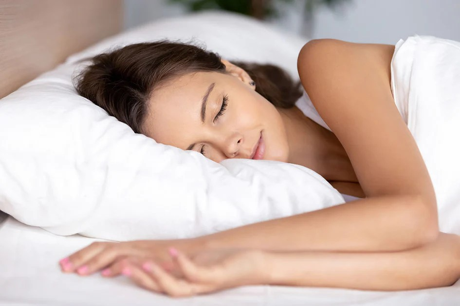 how to choose the perfect pillow for a better night s sleep snuggle pedic