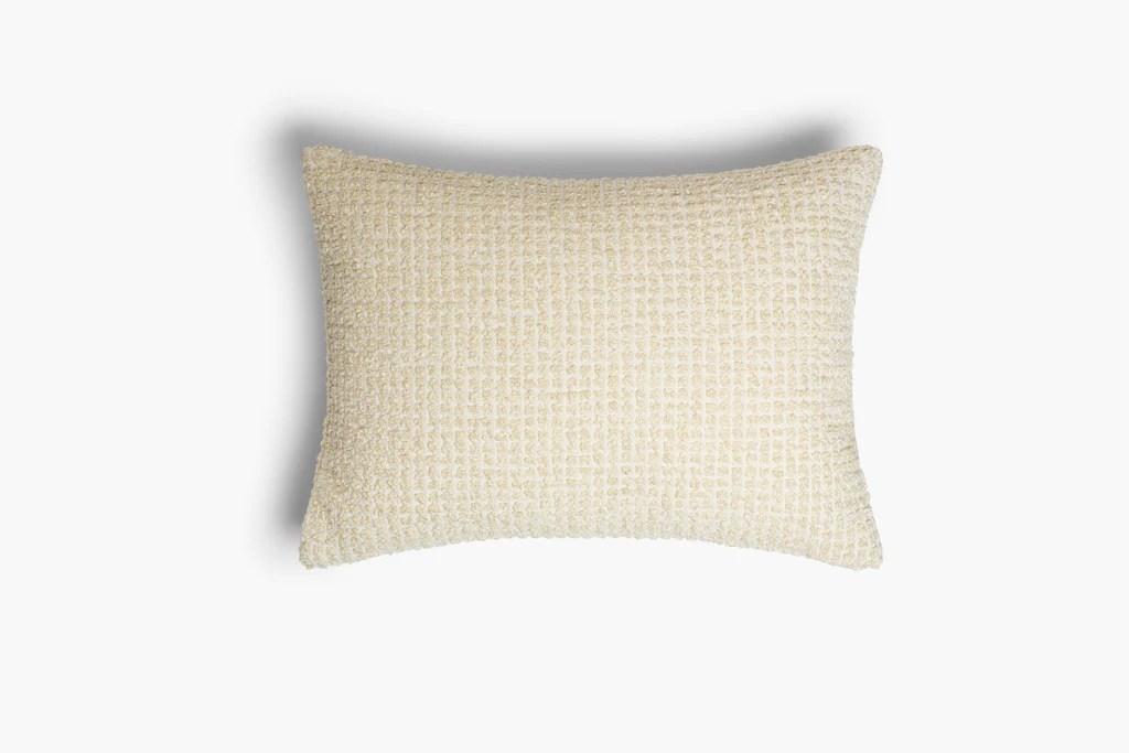 cushion lo chanel cream