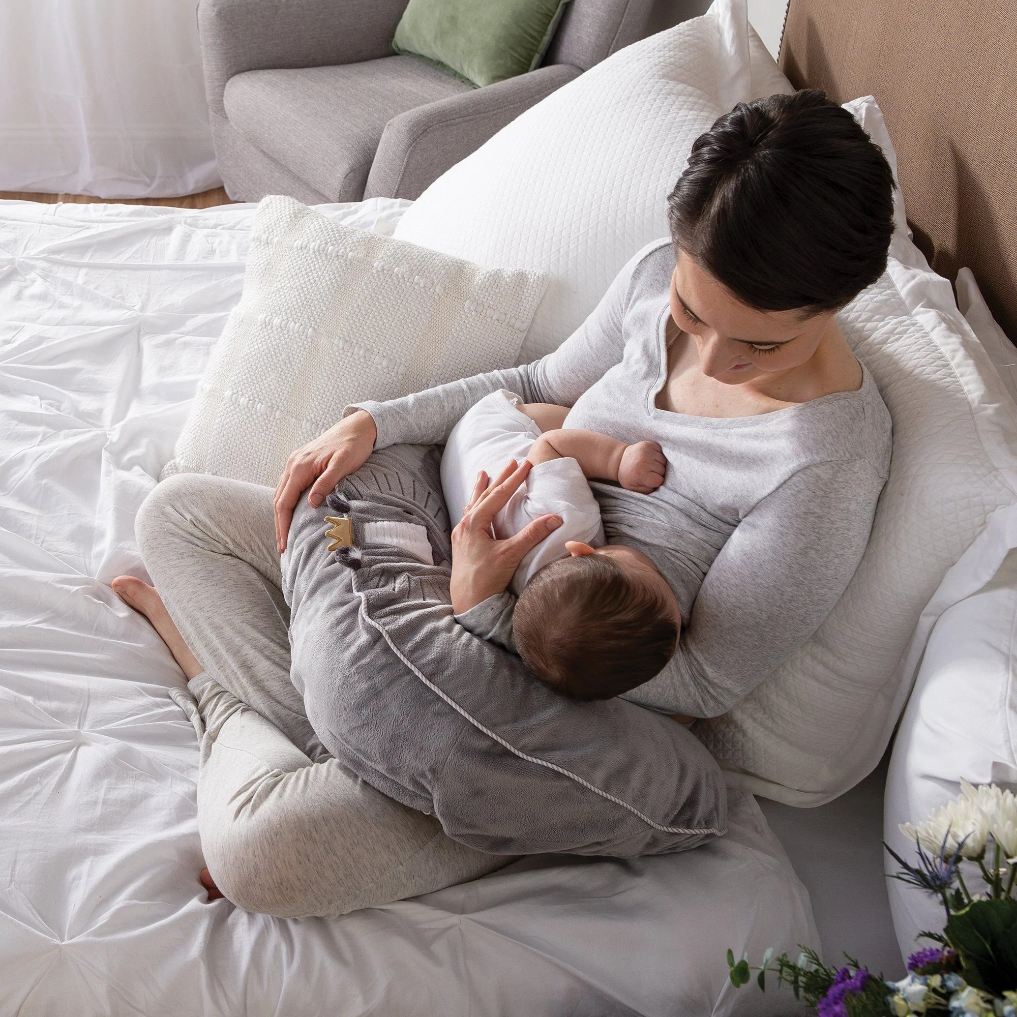 boppy luxe feeding infant support pillow