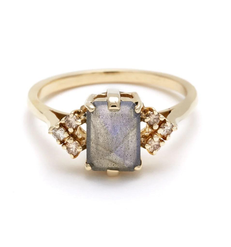 Bea Arrow Ring Medium Yellow Gold Labradorite