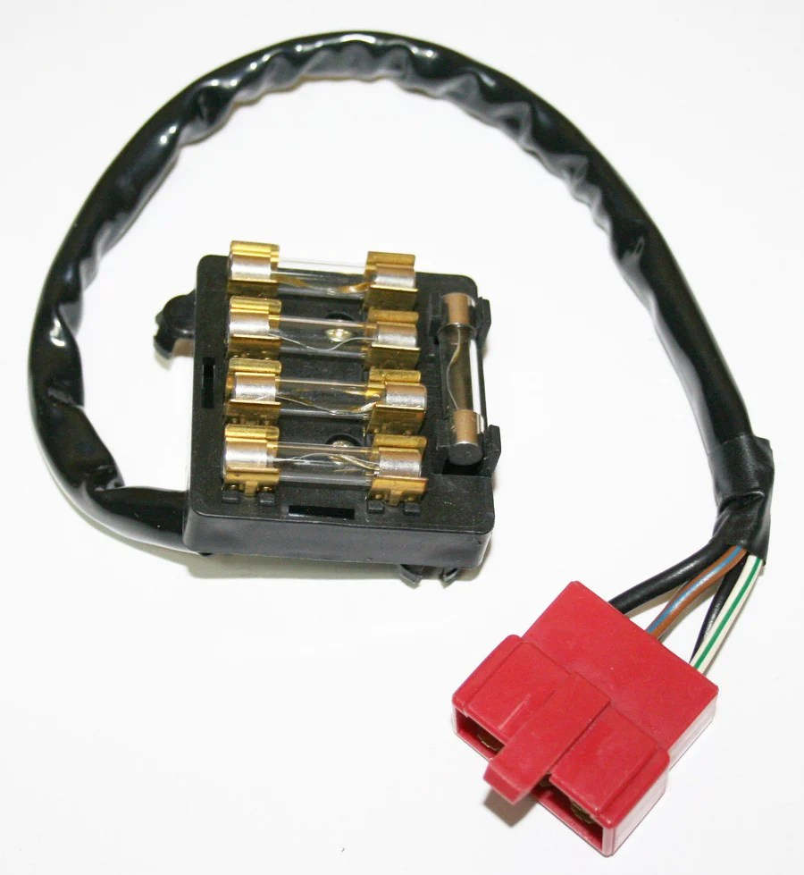 small resolution of fuse box assembly