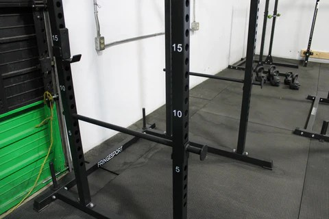 weightlift safely at home alone