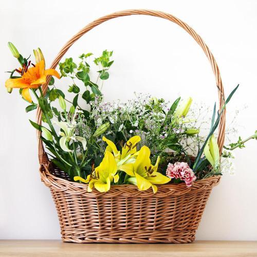 flower wicker gift basket with handle home garden prestige wicker 844060