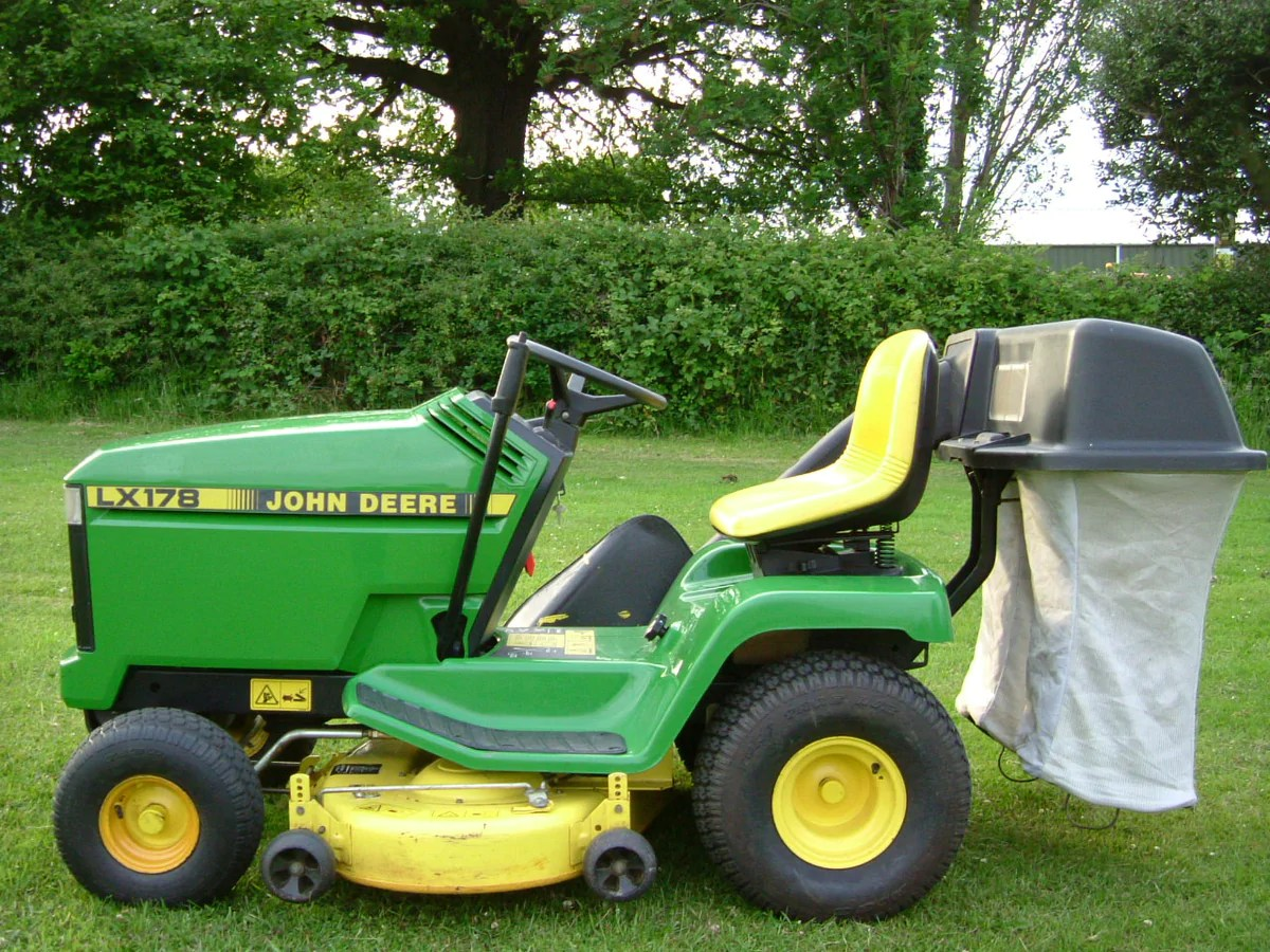 medium resolution of john deere lx178 v twin ride on lawn mower john deere ride on lawn mower hughie willett birmingham uk hughie willett machinery