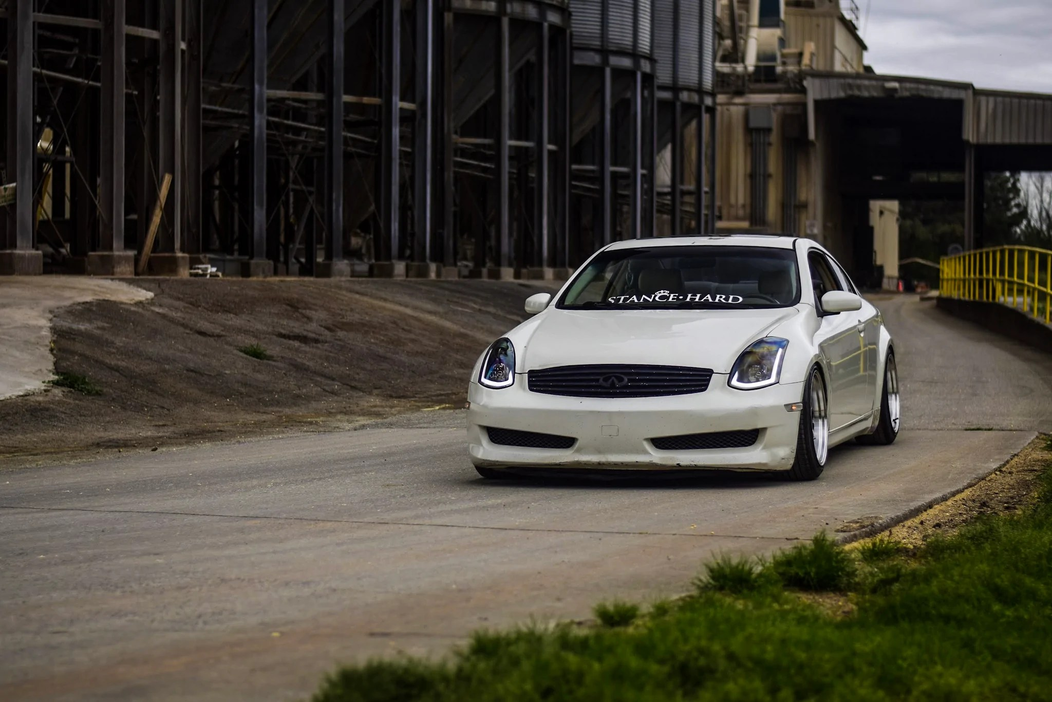 load image into gallery viewer spec d projector headlights infiniti g35 coupe sequential  [ 2048 x 1366 Pixel ]