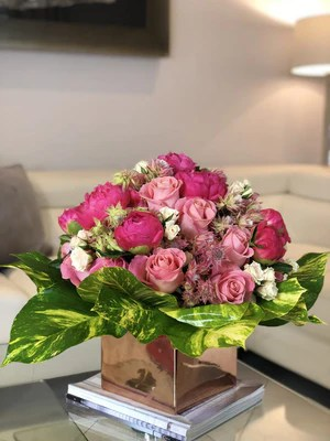 happy birthday flower arrangement