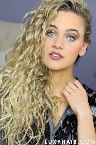 3 easy holiday hairstyles curly