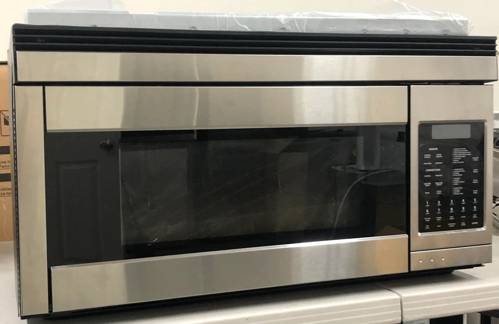 fisher paykel cmoh30ss 3t 30 inch over the range microwave oven with 1 1 cu ft capacity 850 cooking watts convertible venting 240 cfm 9 power