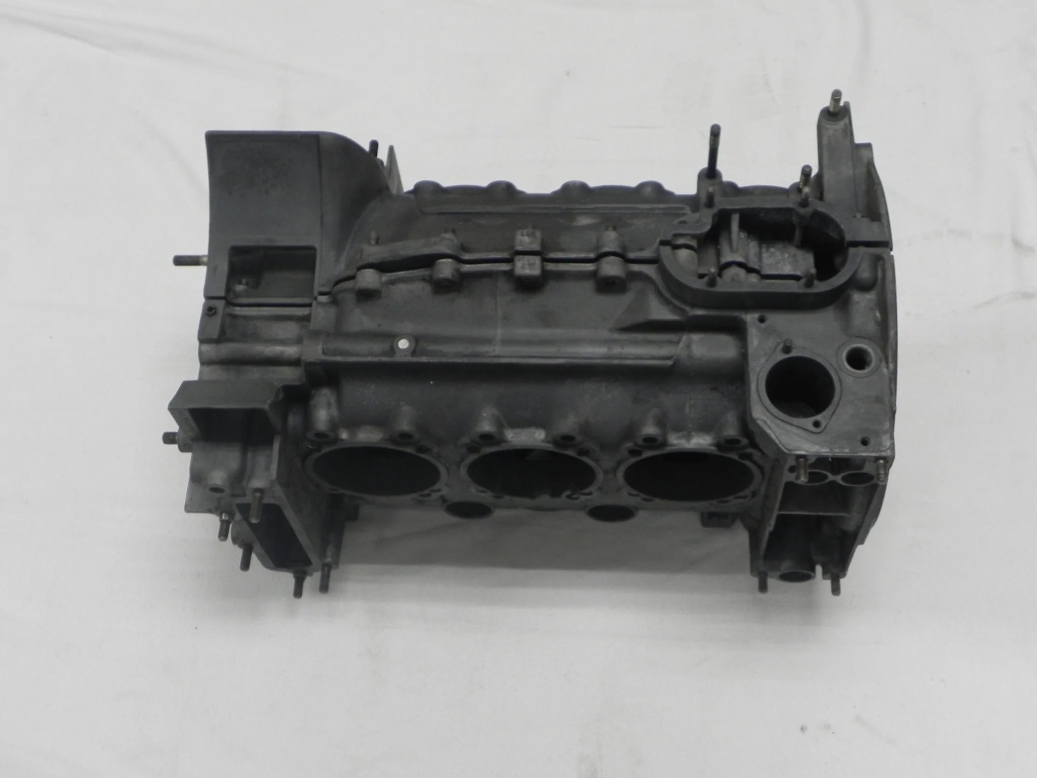 small resolution of  used 911s 2 7l sportomatic engine case 911 89 1974 77
