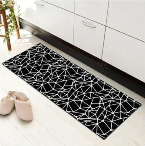 tapis de cuisine noir et blanc